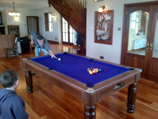 High Quality Majestic Pool Dining Tables